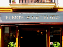 Tapas bar and restaurant on Paseo de los Tristes