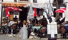 Traditional tapas bar and restaurant with outside seating in Plaza San Miguel Bajo